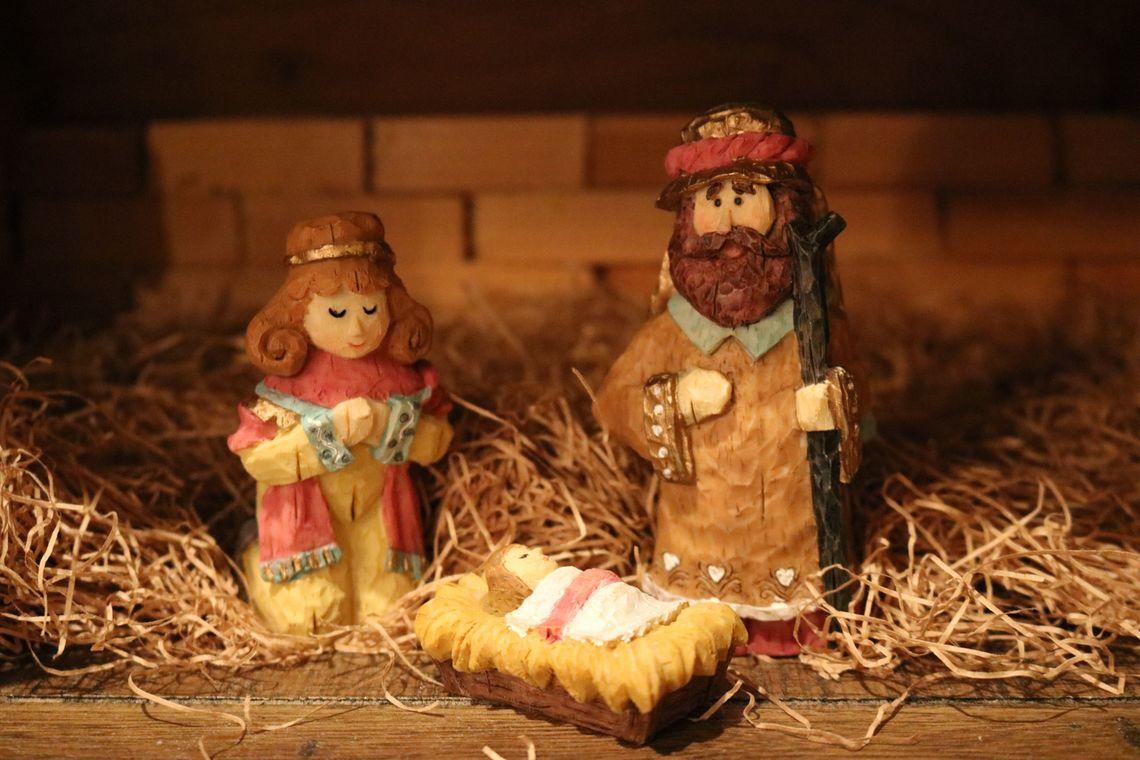 8 Maneras de Ahorrar Esta Navidad